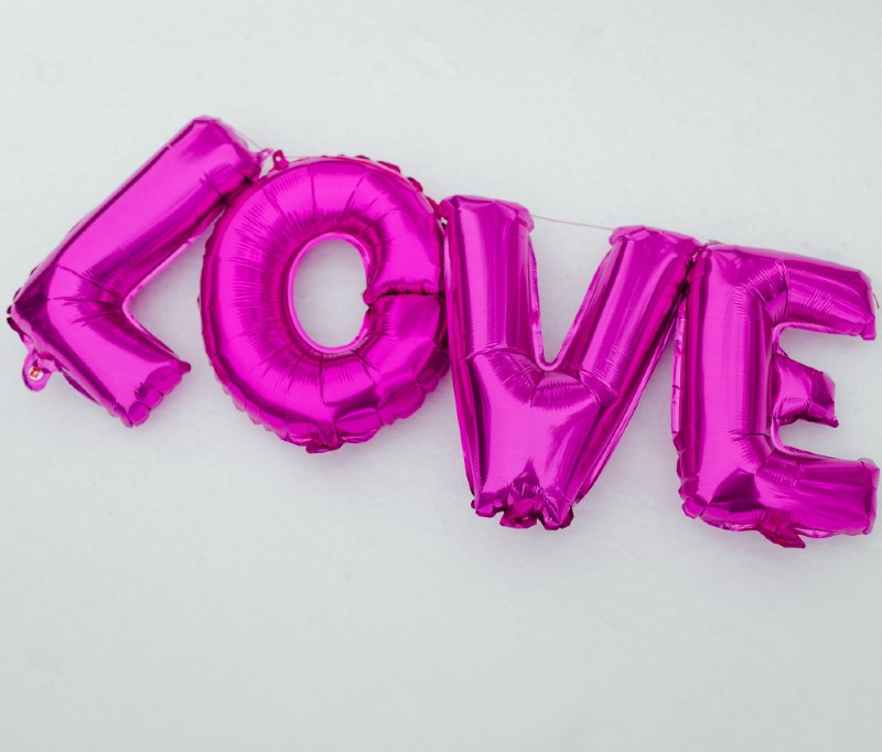 Love you deserve pink balloons